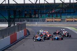 Start: Egor Orudzhev, Arden Motorsport, führt