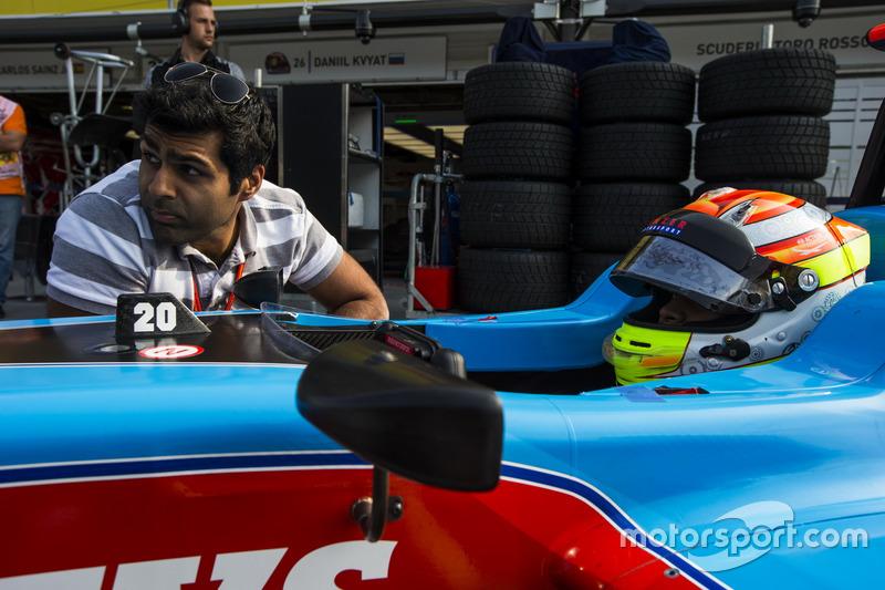 Karun Chandhok con Arjun Maini, Jenzer Motorsport