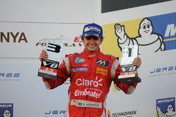 Podio: il terzo classificato Pietro Fittipaldi, Fortec Motorsports