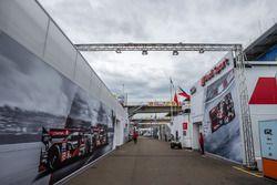Audi Sport Team Joest zona de Paddock