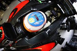 Fernando Alonso, McLaren MP4-31 rend hommage à Luis Salom