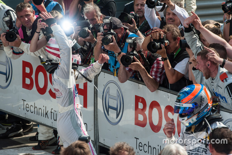 Lucas Auer, Mercedes-AMG Team Mücke, Mercedes-AMG C63 DTM, media, press, photographers