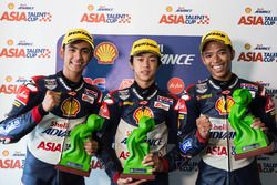 Race winner Ai Ogura, second place Andi Izdihar, third place Somkiat Chantra