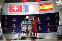 Podio: Ganador de la carrera Jean-Karl Vernay, Leopard Racing, Volkswagen Golf GTI TCR; segundo luga