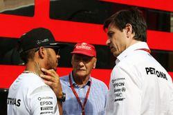 Льюис Хэмилтон, Mercedes AMG F1, Ники Лауда, Mercedes и Тото Вольф, руководитель Mercedes AMG F1