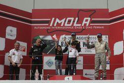 Podio Gara 2: il vincitore Ivan Bellarosa, Avelon Formula, il secondo classificato Walter Margelli, Nannini Racing, il terzo classificato Ranieri Randaccio, SCI team