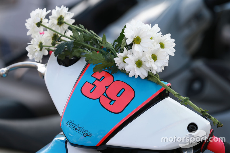 Luis Salom, SAG Racing Team flowers