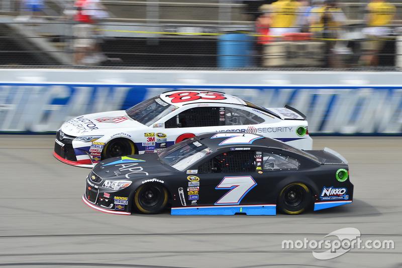Regan Smith, Tommy Baldwin Racing Chevrolet, Matt DiBenedetto, BK Racing Toyota