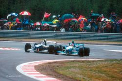 Spa-Francorchamps, Belgium, 25-27 August 1995, RD11. Damon Hill, Williams FW17-Renault, battles with