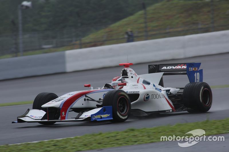 No Japão, João Paulo de Oliveira - radicado há anos no automobilismo japonês - venceu a etapa de Fuji da Super Formula.