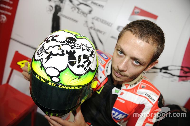 2011: barba en su estreno con Ducati