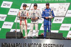 Podium: race winner Ed Jones, Carlin, second place Santiago Urrutia, Schmidt Peterson Motorsports, third place Dean Stoneman, Andretti Autosport