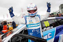 Pole position for Jason Plato, Subaru Team BMR