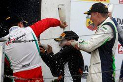 Podium: Juan Manuel Correa, Prema Powerteam ; Joseph Mawson, Van Amersfoort Racing ; Kim-Luis Schramm, US Racing