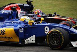 Marcus Ericsson, Sauber C35 et Daniil Kvyat, Scuderia Toro Rosso STR11