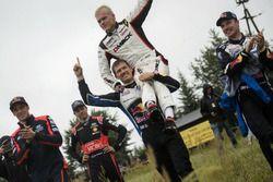 Sébastien Ogier, Volkswagen Polo WRC, Volkswagen Motorsport y Ott Tanak, DMACK World Rally Team