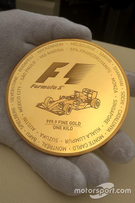 Formula 1, pièce en or