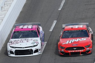 Daniel Suarez, Stewart-Haas Racing, Ford Mustang Haas Automation, J.J. Yeley, Rick Ware Racing, Chevrolet Camaro GOTTA KILL IT TO HEAL IT