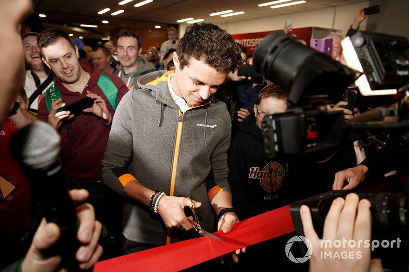 Lando Norris cuts the ribbon and open Autosport International 2020