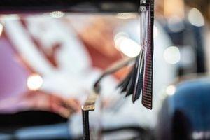 Dettaglio dell'ala posteriore di un'Alfa Romeo Racing C38