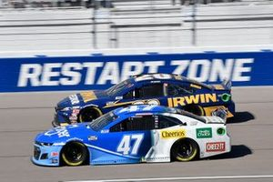 Ricky Stenhouse Jr., JTG Daugherty Racing, Chevrolet Camaro Kroger, Erik Jones, Joe Gibbs Racing, Toyota Camry Irwin SPEEDBOR