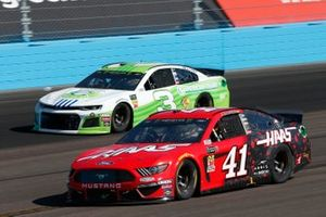 Daniel Suarez, Stewart-Haas Racing, Ford Mustang Haas Automation Austin Dillon, Richard Childress Racing, Chevrolet Camaro American Ethanol