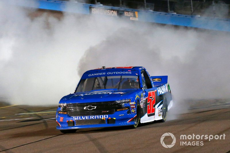 Race Winner Stewart Friesen, Halmar Friesen Racing, Chevrolet Silverado Halmar International