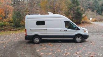 Ford Transit Camper a mano