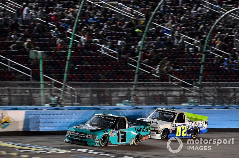 Johnny Sauter, ThorSport Racing, Ford F-150 Tenda Heal and Tyler Dippel, Young's Motorsports, Chevrolet Silverado Lobas! Productions