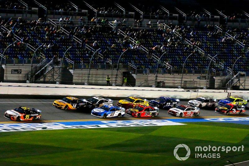 Christopher Bell, Leavine Family Racing, Toyota Camry Procore, Ryan Preece, JTG Daugherty Racing, Chevrolet Camaro Cottonelle