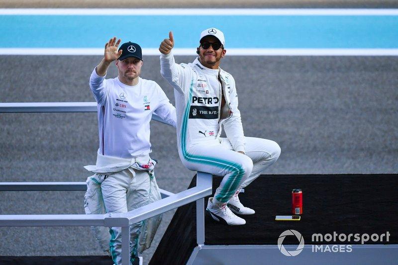Lewis Hamilton, Mercedes AMG F1, e Valtteri Bottas, Mercedes AMG F1