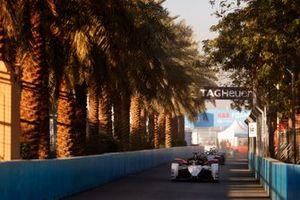 Andre Lotterer, Porsche, Porsche 99x Electric le auto fuori dalla pit lane