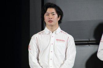 大湯都史樹 Toshiki Oyu