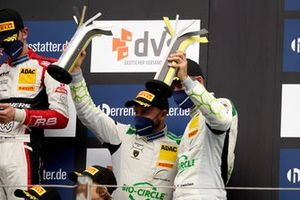 Podio: #19 GRT Grasser Racing Team Lamborghini Huracán GT3 Evo: Rolf Ineichen, Frank Perera