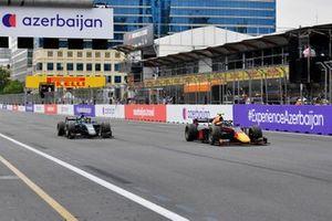 Juri Vips, Hitech Grand Prix, leads Jack Aitken, HWA Racelab