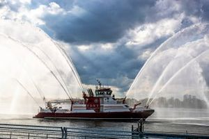 An FDNY Fire Tender sprays its hoses in the Hudson