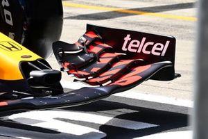McLaren MCL35M front wing detail
