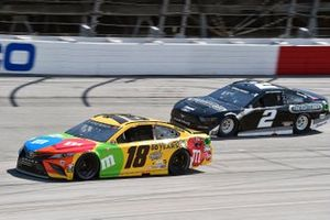 Kyle Busch, Joe Gibbs Racing, Toyota Camry M&M's and Brad Keselowski, Team Penske, Ford Mustang Freightliner
