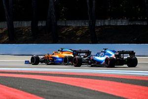 Ландо Норрис, McLaren MCL35M, Фернандо Алонсо, Alpine A521