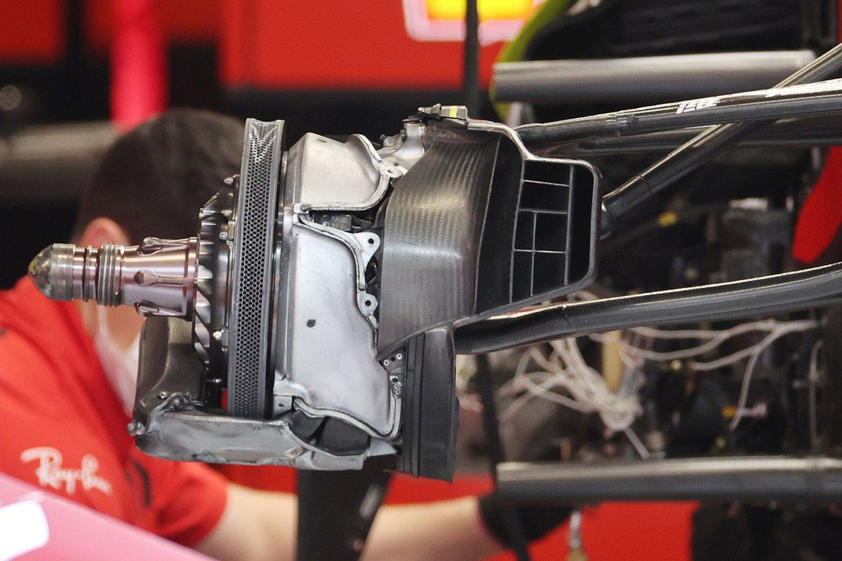 Ferrari SF21: Vorderrad-Bremse