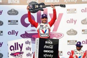 1. Kyle Larson, Hendrick Motorsports, Chevrolet Camaro Valvoline