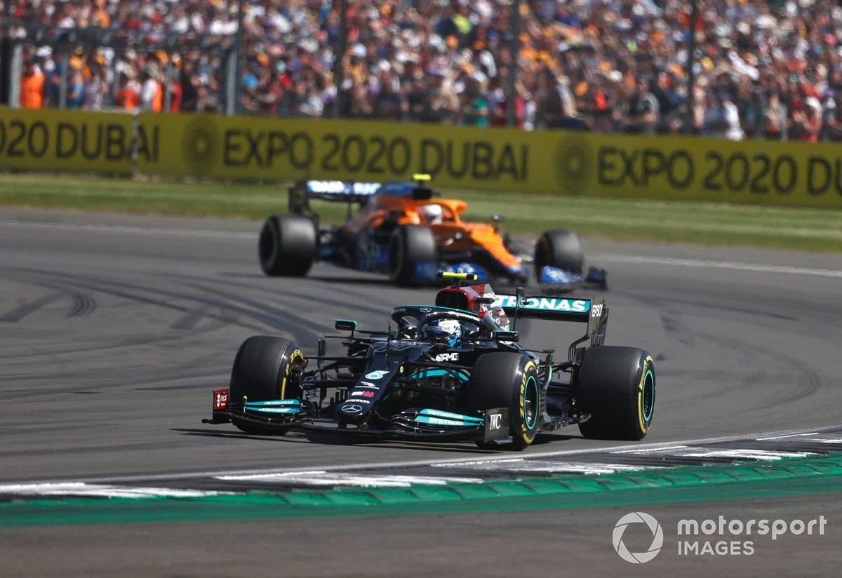 Valtteri Bottas, Mercedes W12, Lando Norris, McLaren MCL35M