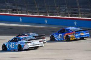 Erik Jones, Richard Petty Motorsports, Chevrolet Camaro Petty's Garage, Ricky Stenhouse Jr., JTG Daugherty Racing, Chevrolet Camaro Kroger/Bush's Beans
