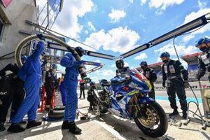 #72 Junior Team LMS Suzuki: Martin Renaudin, Guillaume Raymond, Valentin Suchet