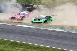 James Cottingham / Sam De Haan - RAM Racing Mercedes-AMG GT3 and Adam Balon / Sandy Mitchell - Barwell Motorsport Lamborghini Huracan GT3 Evo