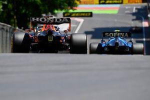 Nicholas Latifi, Williams FW43B, Max Verstappen, Red Bull Racing RB16B