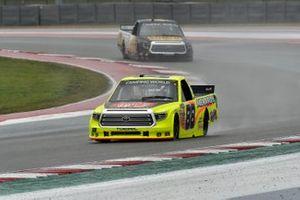 Matt Crafton, ThorSport Racing, Toyota Tundra Oklahoma Joe's/Menards, John Hunter Nemechek, Kyle Busch Motorsports, Toyota Tundra ROMCO