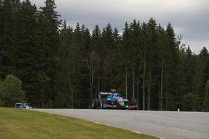 Johnathan Hoggard, Jenzer Motorsport, leads Filip Ugran, Jenzer Motorsport