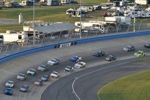 Derek Kraus, McAnally Hilgemann Racing, Toyota Tundra THOROGOOD, Zane Smith, GMS Racing, Chevrolet Silverado Chevy.com/Accessories