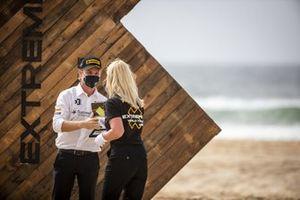 Nico Rosberg, fondatore e CEO, Rosberg X Racing riceve il trofeo